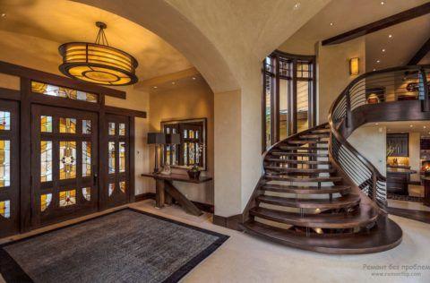 Планировка: деревянные лестницы в интерьере частного дома