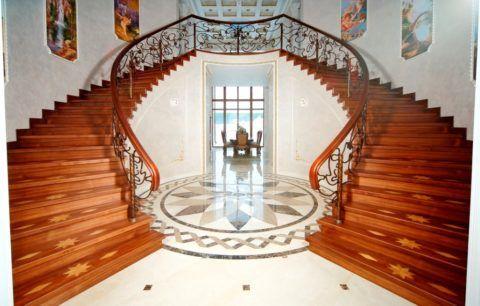 Распашная лестница с двумя маршами