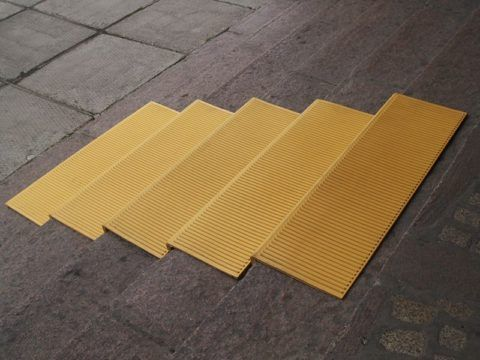 Рельефные накладки на ступени