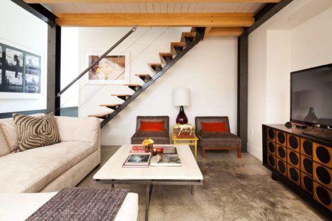 Современная лестница в интерьере в стиле «Лофт»