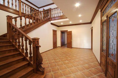 Стационарные лестницы в двухэтажных квартирах