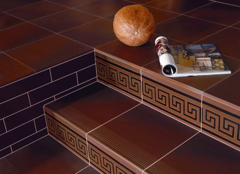 Ступени, облицованные керамической плиткой