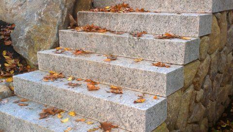 Цельные гранитные лестницы
