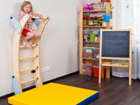 Удобная лестница спортивная для детей с криволинейными тетивами