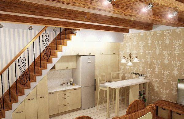 Устройство под лестницей распашных шкафов