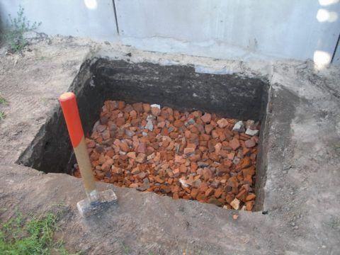 Вместо щебня можно использовать строительный бой