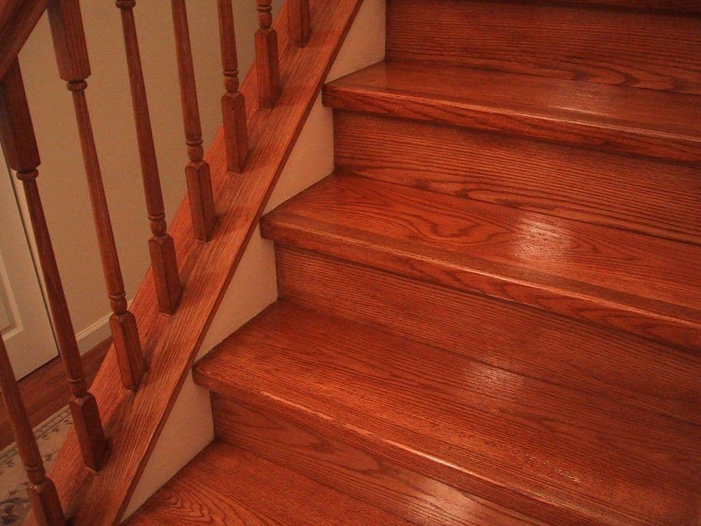 Деревянная лестница с покрытием