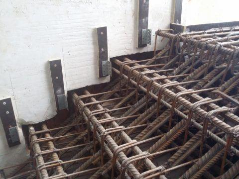 Если лестница армирована подобным образом, то коррозия ей не принесет значительного ущерба, но это явный перерасход металла