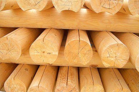 Хвойные бревна – лучший материал для постройки ступеней