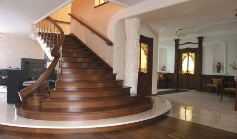 Красивые двери и лестницы в одном цвете