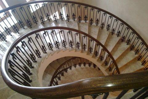 Красивые ограждения лестниц