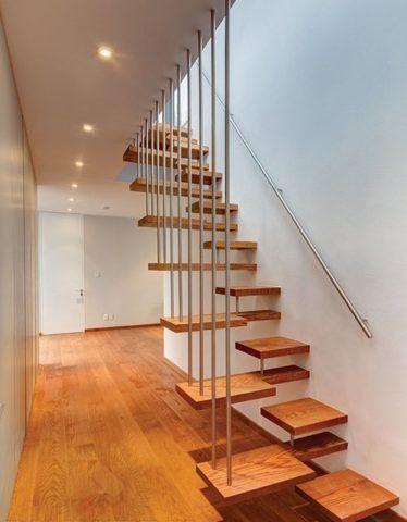 Лестница на больцах с «утиным шагом»