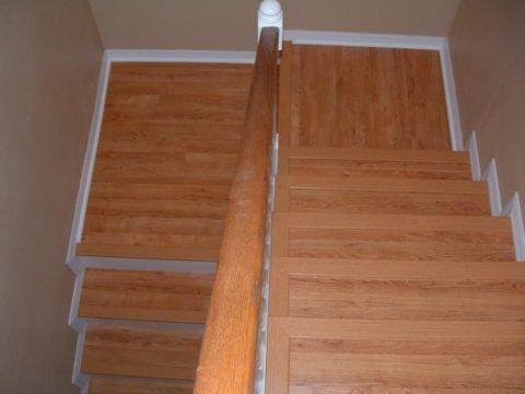 Лестница с покрытием из линолеума