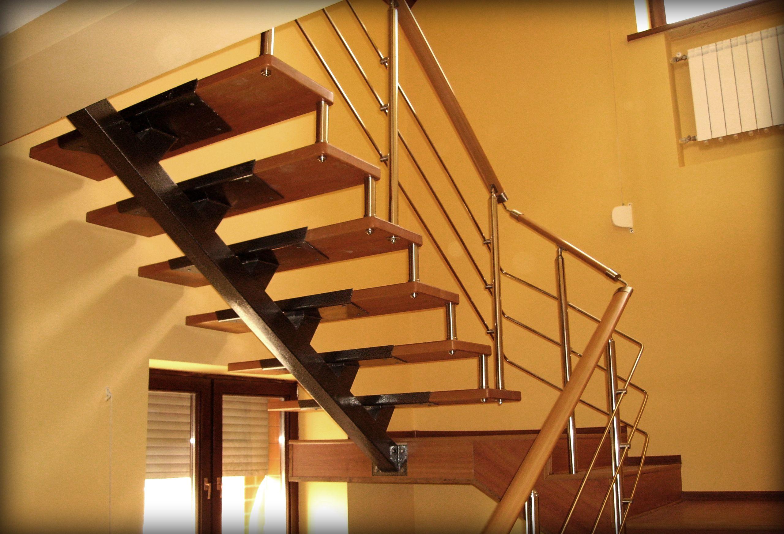 Металлическая лестница на косоурах своими руками