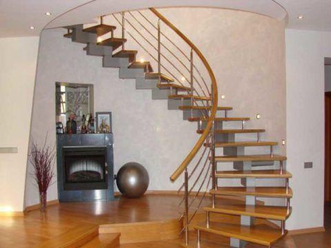 Варианты лестниц в доме на второй этаж с криволинейной геометрией