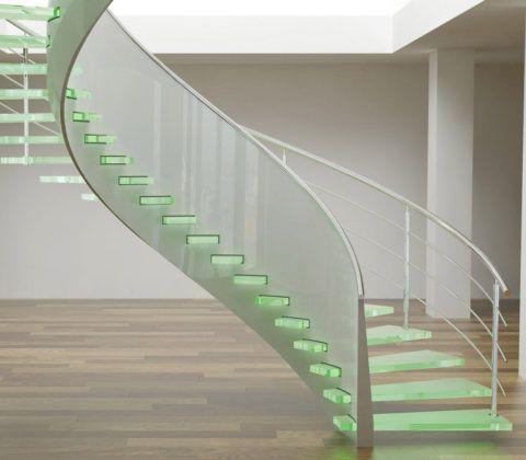 Воздушная стеклянная консольная лестница