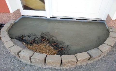 Заливка бетоном первого ряда