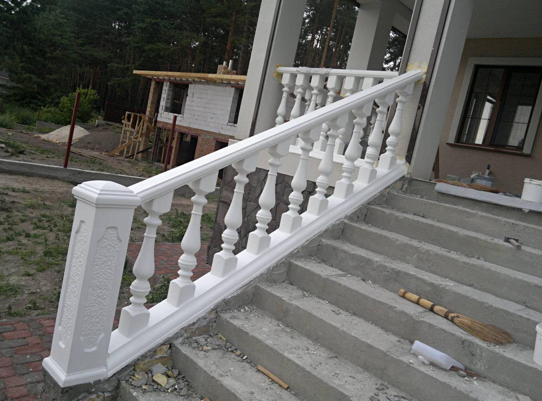 Как сделать ограждение балкона из балясин