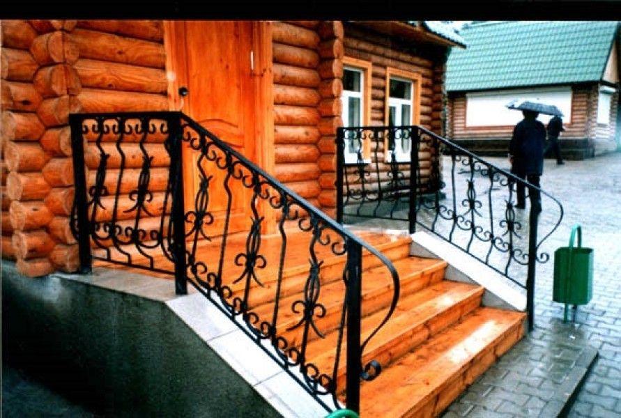 Красивое крыльцо из дерева для украшения своего дома: различ.