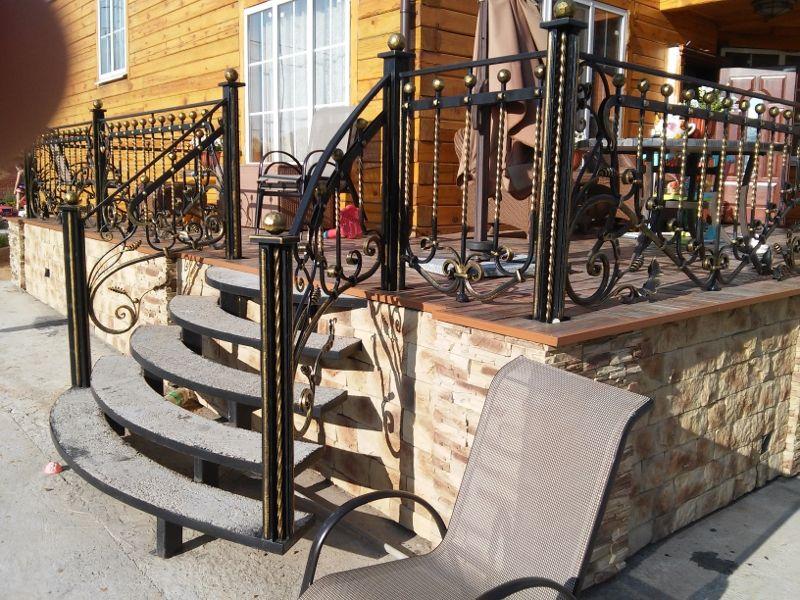кованые лестницы на крыльцо фото