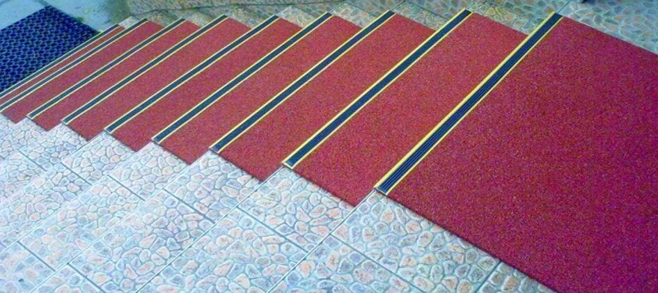 Резиновые накладки на ступенях, мощенных бетонной тротуарной плиткой