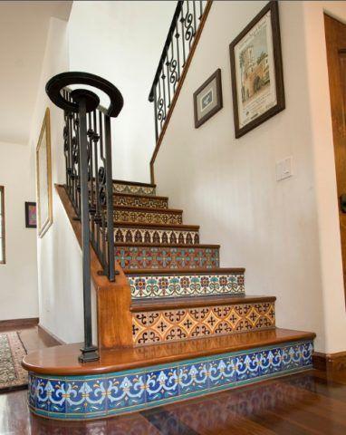 Комбинированная отделка ступеней лестницы
