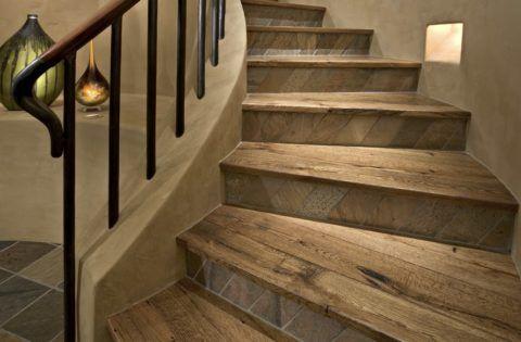 Лестницы, облагороженные керамогранитом, иногда поражают своим внешним видом