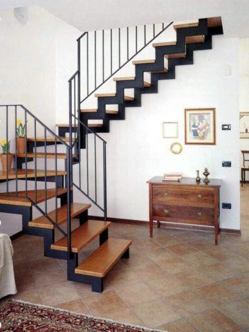 Немного усилий – и в вашем доме будет такая лестница