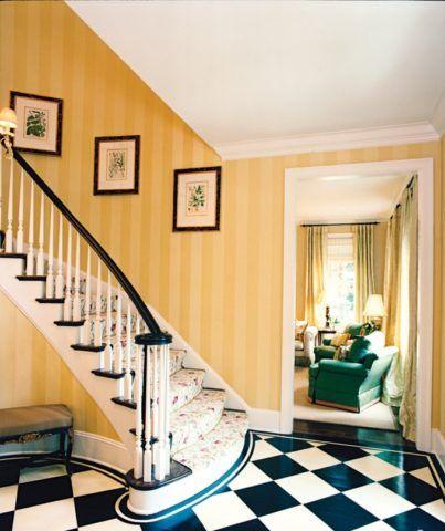 Обои и лестницы