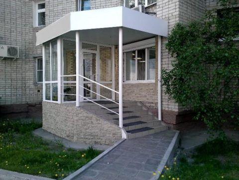 Одна из основных практических функций крыльца – обеспечение свободного доступа на уровень первого этажа