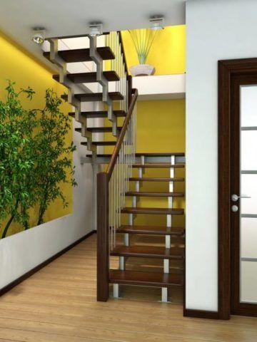 Отделка лестницы в квартире в двух уровнях
