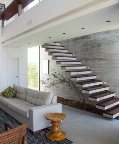 Пустотелые бетонные ступени с консольной фиксацией