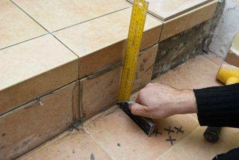 Регулировка положения плитки