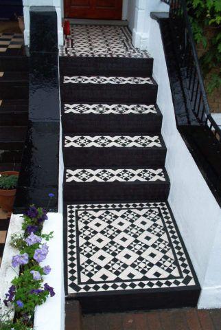 Чем обшить бетонную лестницу: цветная керамика
