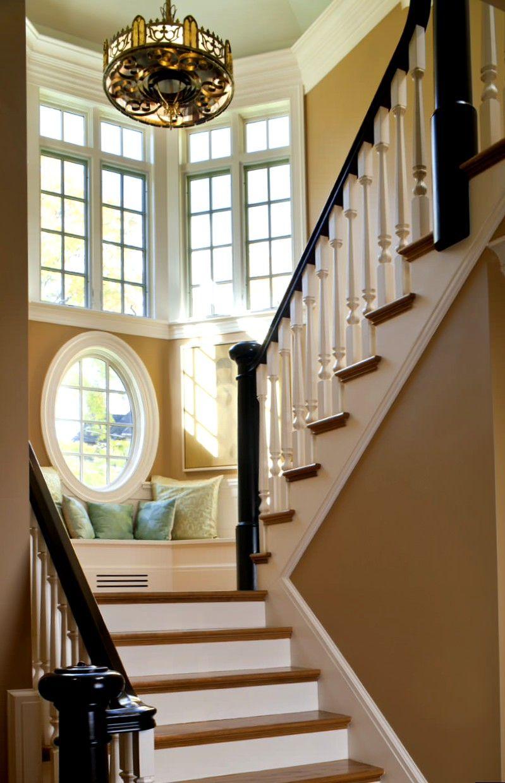 раз, окно на лестнице в частном доме фото фёдоровна