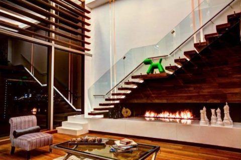Имитация камина под лестницей