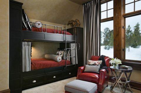 Красивая двухуровневая кровать