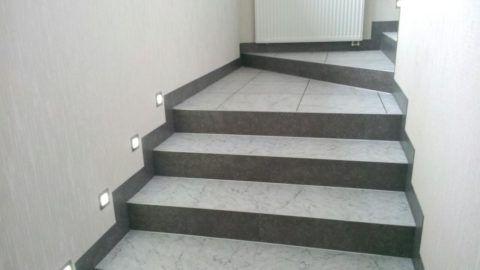 Красивая лестница с плиткой