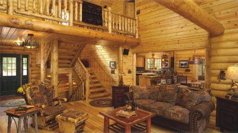 Лестница в бревенчатом доме в стиле дворянской усадьбы