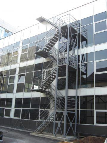 Маршевая пожарная лестница