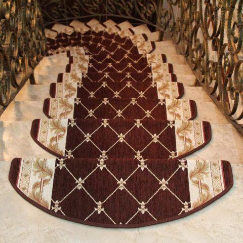 Накладки ковровые на ступенях