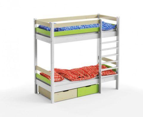 Простая кровать с лестницей и ящиками в классическом исполнении
