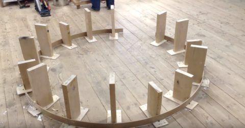 Шаблон из деревянного каркаса для гибки перил