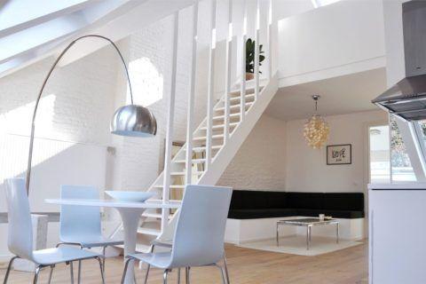 Стиль лофт преображает заброшенное промышленное помещение в прекрасную квартиру