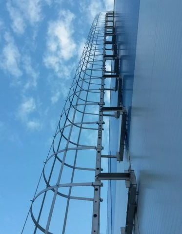 Вертикальная пожарная лестница П1-2