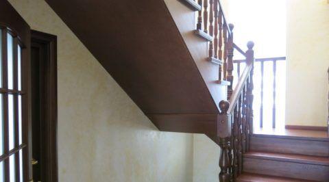 Деревянные лестницы: обшивка с помощью МДФ