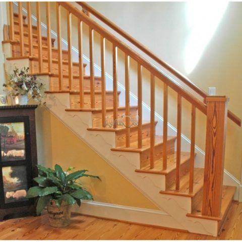 Лестница с отделкой из лиственницы