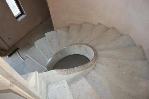 Лестница с поворотом на 270 градусов
