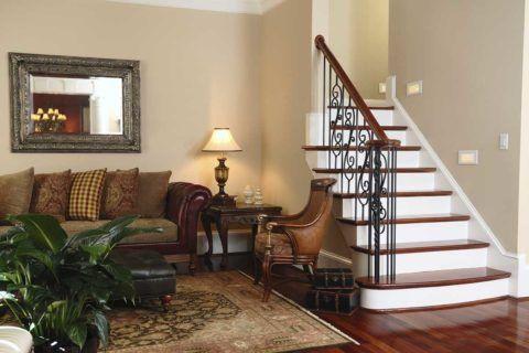 Лестница служит украшением гостиной