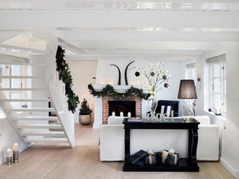 Лестница в маленькой гостиной